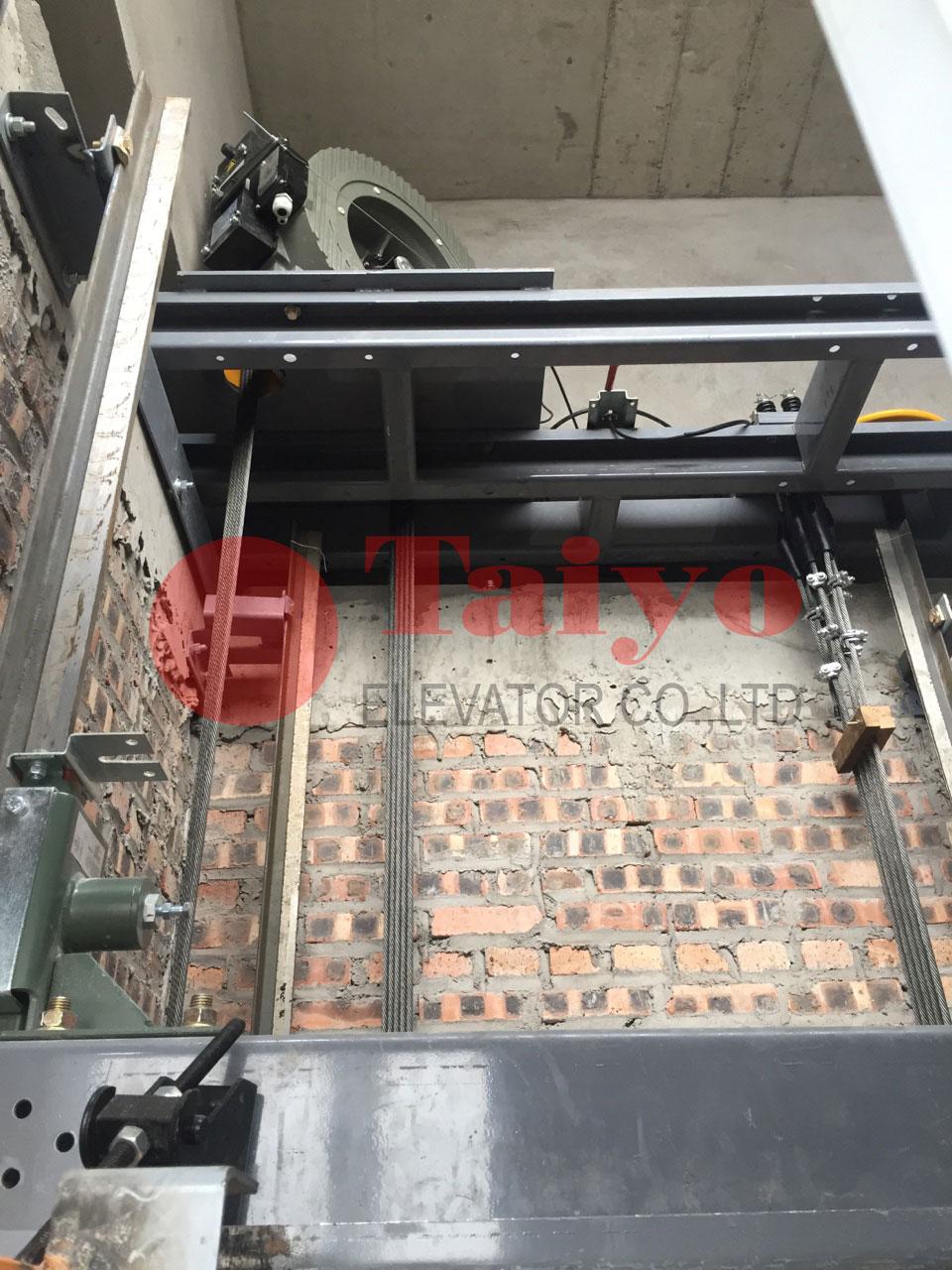 Bệ máy kéo thang máy không phòng máy