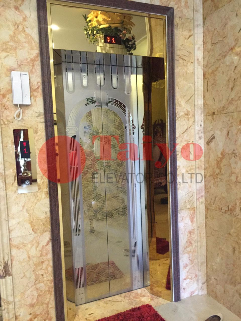 Cửa thang máy bằng inox trạm khắc hoa văn theo yêu cầu