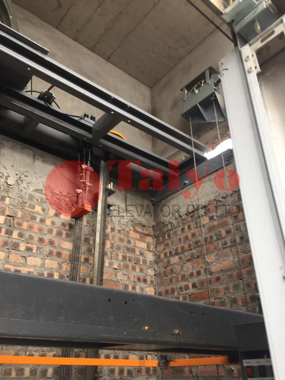 Bệ máy thang máy không phòng máy